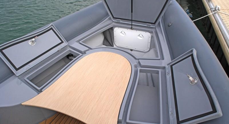 Моторна лодка LOMAC Adrenalina 9.5